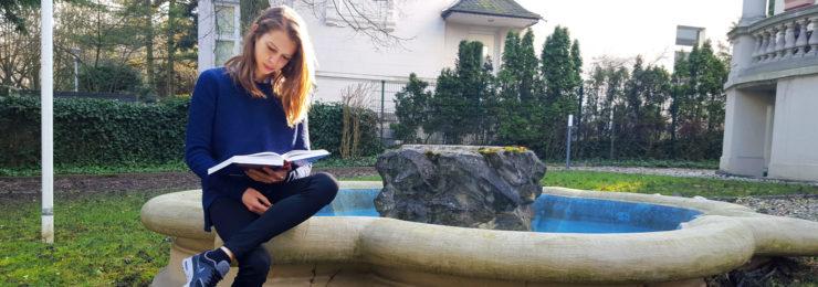 Neue Praktikantin bei KMB|: Julia Przybylski