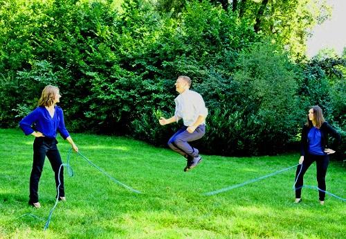 KMB| Wiesbaden Jubilaeumsshooting Dr. Klaus M. Bernsau zeigt sich sportlich