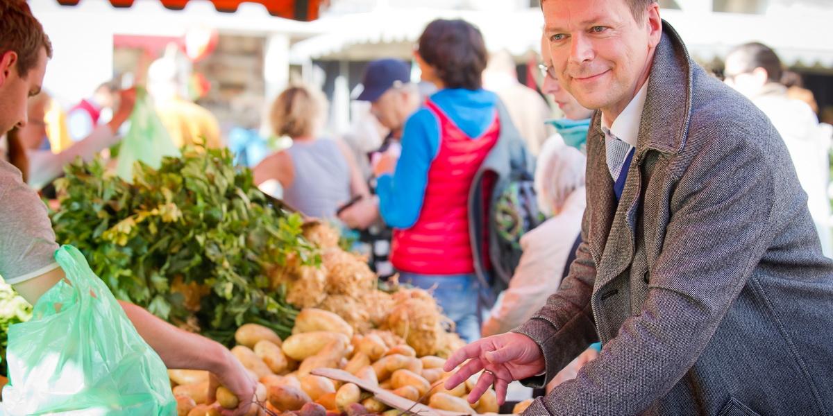Dr. Klaus M. Bernsau - auch in lokalen Märkten zuhause